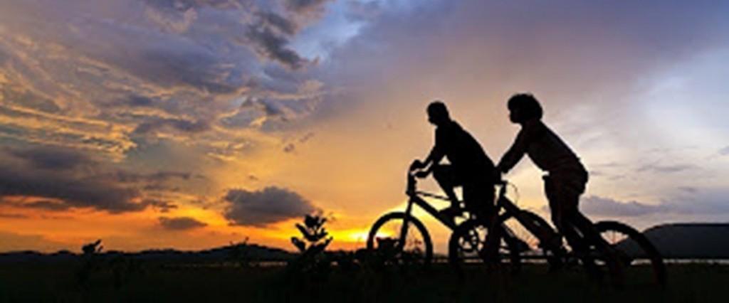 imagenes-amistad-bicicleta-ruta-turismo-activo